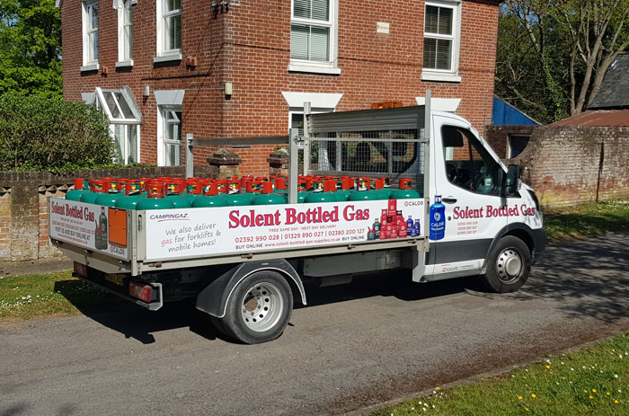 Solent bottled Gas Supplies Delivering gas cylinders